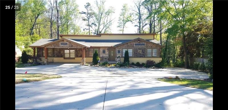 4081 Ashford Dunwoody Road NE, Brookhaven, Georgia 30319, 5 Bedrooms Bedrooms, ,4 BathroomsBathrooms,Rental,For Rent,4081 Ashford Dunwoody Road NE,1.5,6697516