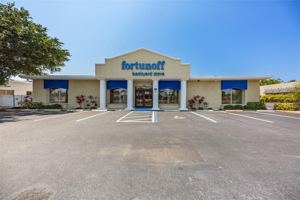 7522 S TAMIAMI TRAIL, SARASOTA, Florida 34231, ,Commercial,For Sale,7522 S TAMIAMI TRAIL,1,A4465147
