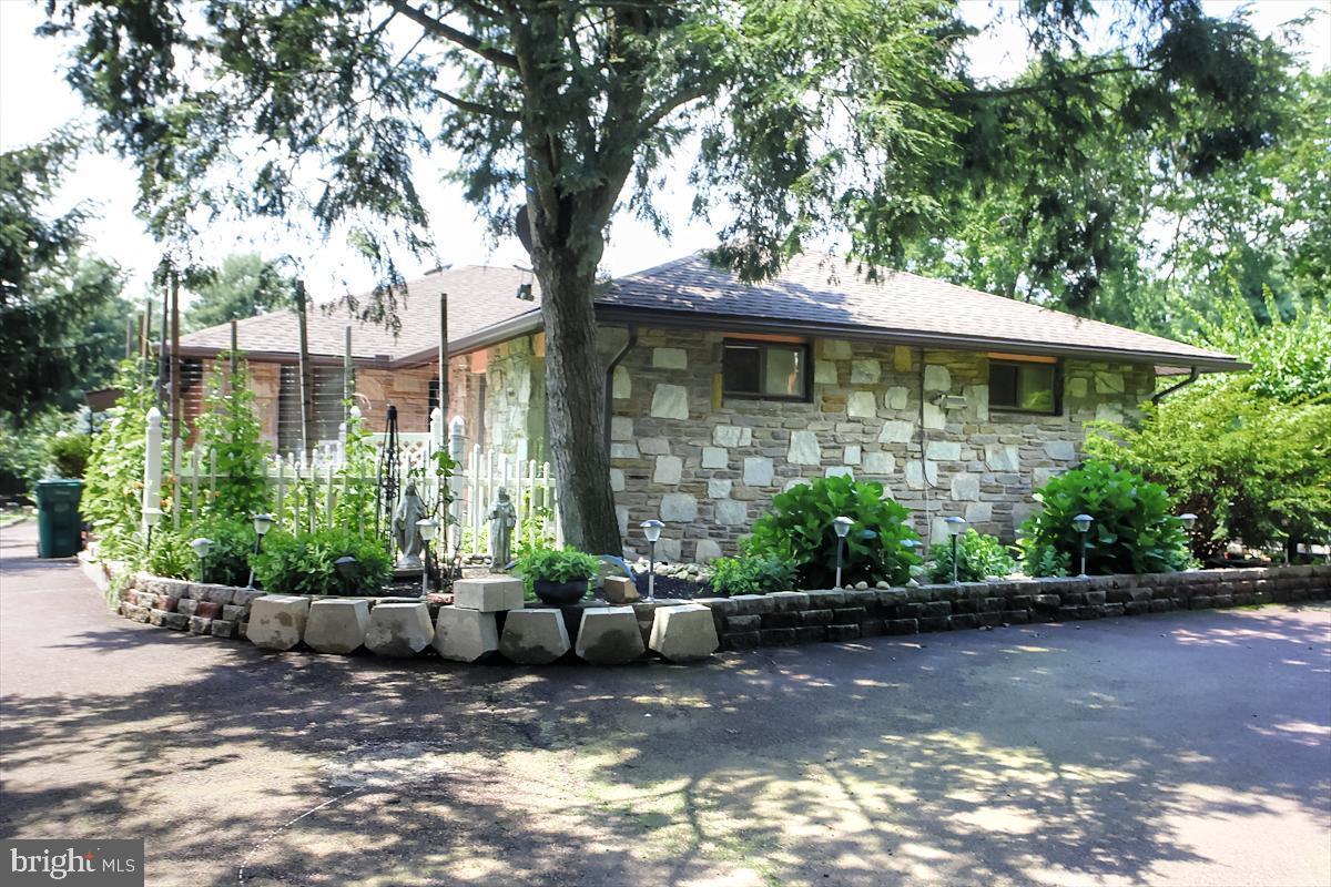 378 OAK DRIVE, HARLEYSVILLE, Pennsylvania 19438, 3 Bedrooms Bedrooms, ,3 BathroomsBathrooms,Single Family,For Sale,378 OAK DRIVE,PAMC649360