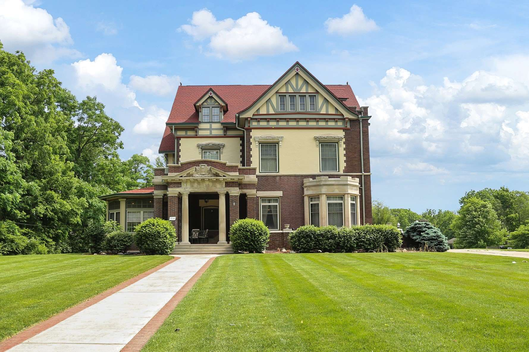 1014 State Street, Lafayette, Indiana 47905, 6 Bedrooms Bedrooms, ,6 BathroomsBathrooms,Single Family,For Sale,1014 State Street,202022324