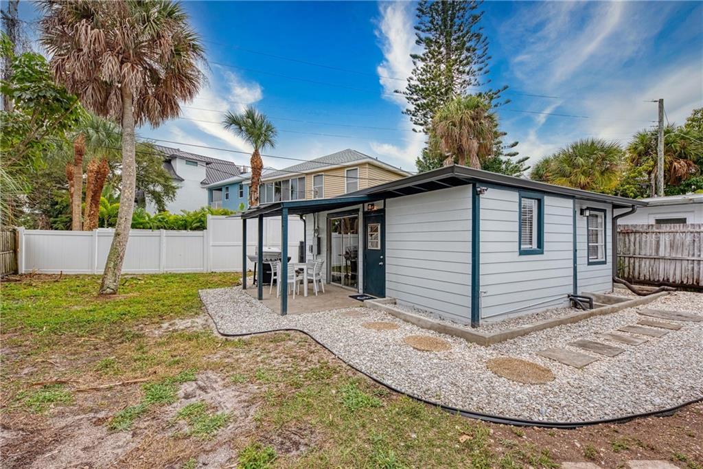 432 AVENIDA DE MAYO, SARASOTA, Florida 34242, 1 Bedroom Bedrooms, ,1 BathroomBathrooms,Rental,For Rent,432 AVENIDA DE MAYO,1,A4471711