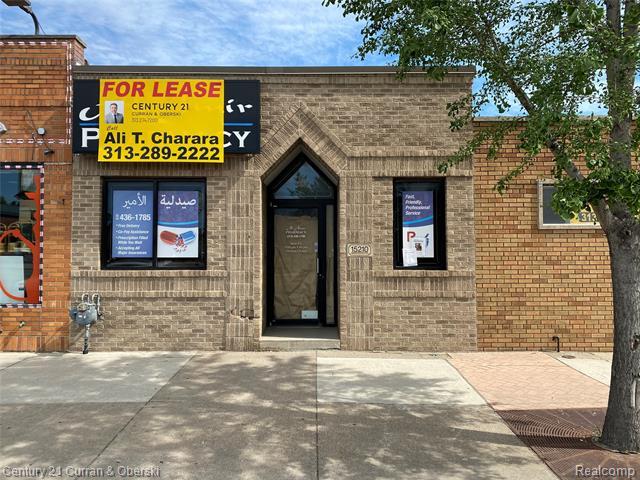 15210 W WARREN Avenue, Dearborn, Michigan 48126, ,Rental,For Rent,15210 W WARREN Avenue,1,2200045257