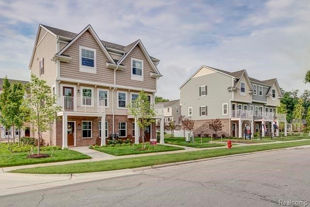 540 N Parkdale Lane N, Ferndale, Michigan 48220, 2 Bedrooms Bedrooms, ,3 BathroomsBathrooms,Condominium,For Sale,540 N Parkdale Lane N,3,2200051632