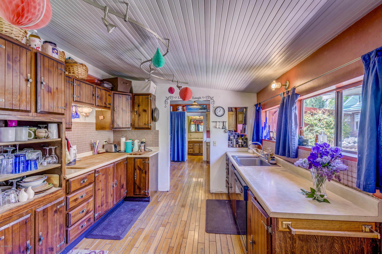 901 Tombstone Canyon Road, Bisbee, Arizona 85603, ,Multifamily,For Sale,901 Tombstone Canyon Road,22015215