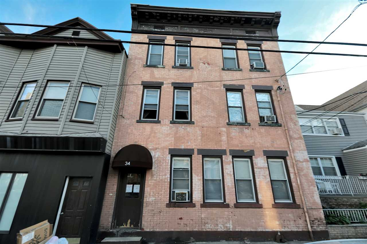 32 WEST 10TH ST, Bayonne, New Jersey 07002, 1 Bedroom Bedrooms, ,1 BathroomBathrooms,Condominium,For Sale,32 WEST 10TH ST,202013279