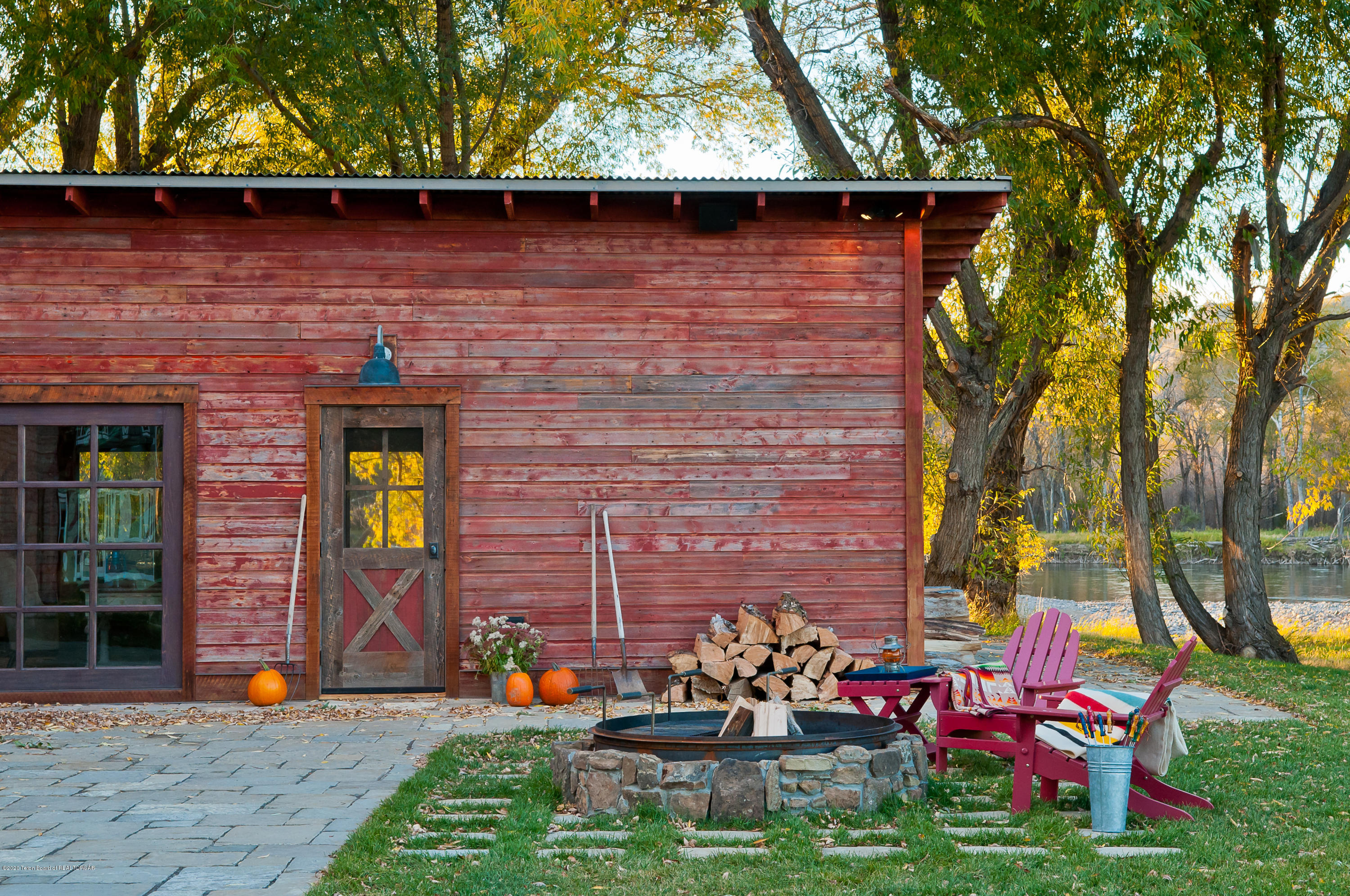 5783 US-89, LIVINGSTON, Montana 59047, 5 Bedrooms Bedrooms, ,5 BathroomsBathrooms,Farm And Agriculture,For Sale,5783 US-89,20-1381