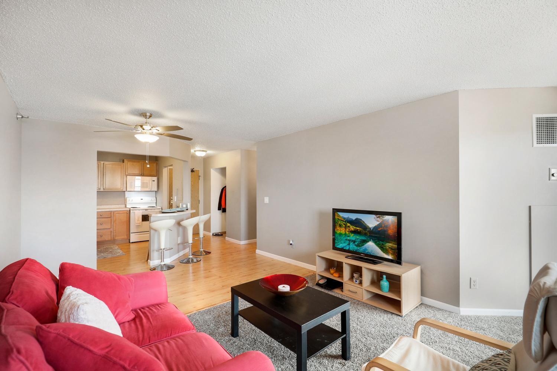 78 10th Street E, Saint Paul, Minnesota 55101, 2 Bedrooms Bedrooms, ,2 BathroomsBathrooms,Condominium,For Sale,78 10th Street E,5636256