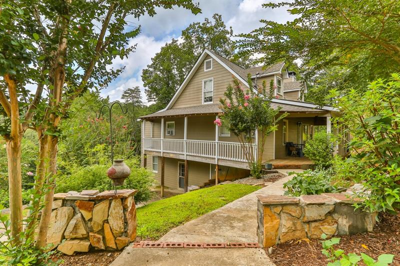 302 Moreland Drive, Ellijay, Georgia 30540, 3 Bedrooms Bedrooms, ,2 BathroomsBathrooms,Single Family,For Sale,302 Moreland Drive,2,6760332