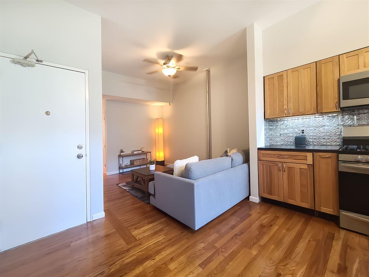 627 WILLOW AVE, Hoboken, New Jersey 07030, 2 Bedrooms Bedrooms, ,1 BathroomBathrooms,Condominium,For Sale,627 WILLOW AVE,202015516