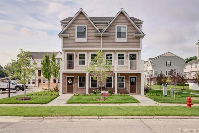 530 N Parkdale Lane N, Ferndale, Michigan 48220, 2 Bedrooms Bedrooms, ,3 BathroomsBathrooms,Condominium,For Sale,530 N Parkdale Lane N,3,2200060029