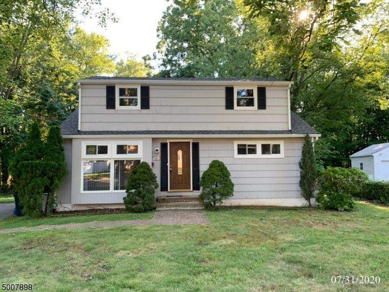 353-355 RICHARD WAY, North Plainfield Boro, New Jersey 07062-2409, 4 Bedrooms Bedrooms, ,2 BathroomsBathrooms,Single Family,For Sale,353-355 RICHARD WAY,3656616