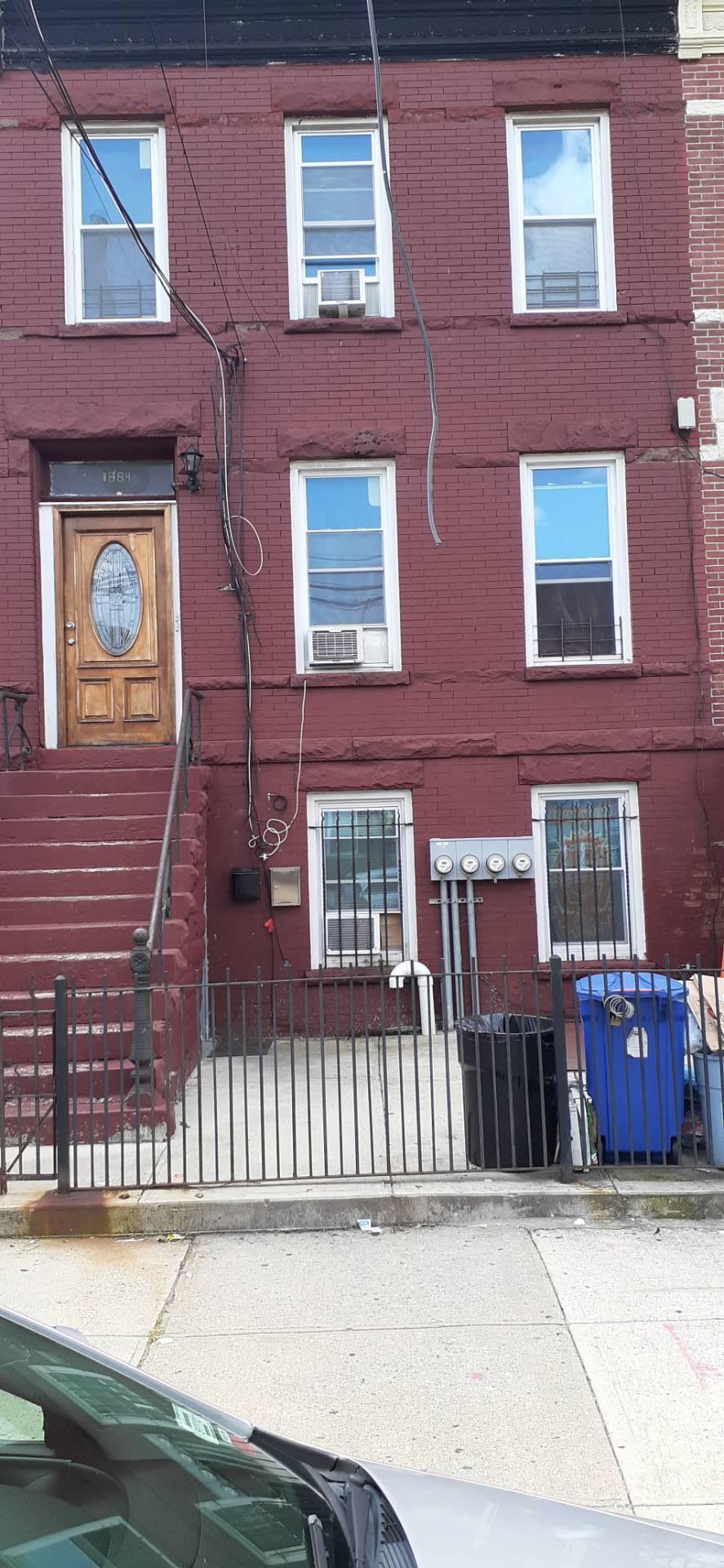 1884 Bergen St, Brooklyn, New York 11233, 6 Bedrooms Bedrooms, ,3 BathroomsBathrooms,Townhouse,For Sale,1884 Bergen St,3,10927517