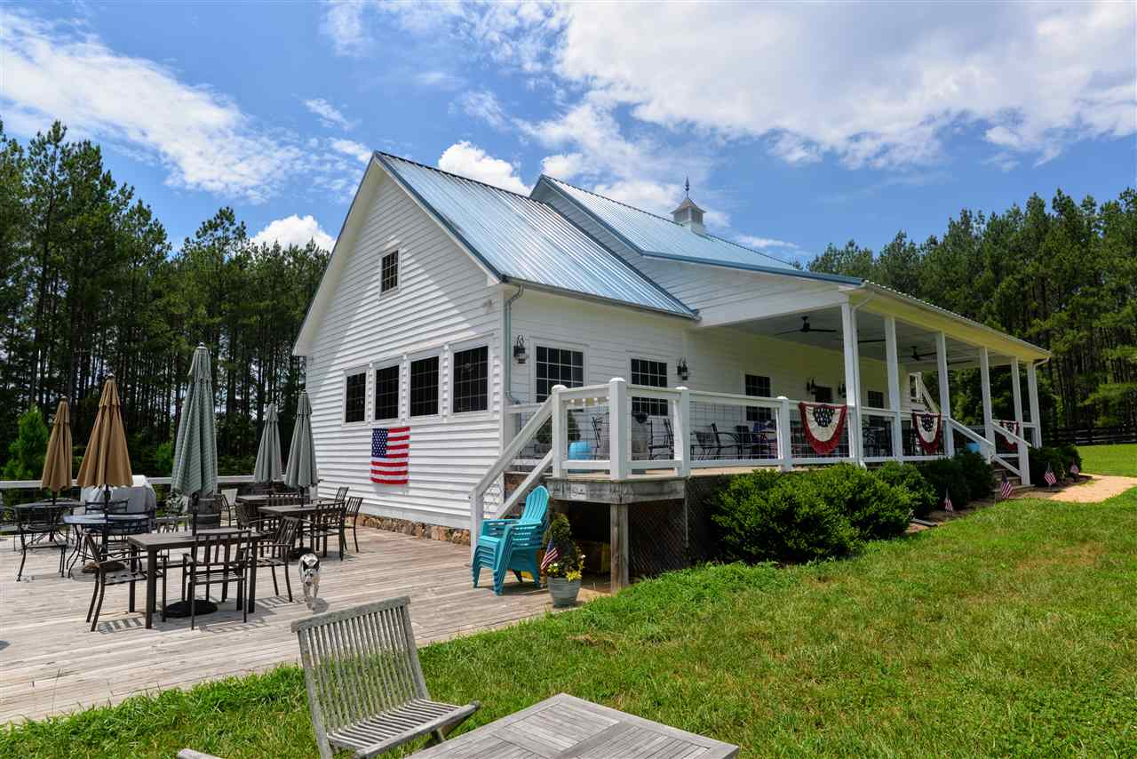 5199 WEST RIVER RD, Scottsville, Virginia 24590, 4 Bedrooms Bedrooms, ,3 BathroomsBathrooms,Single Family,For Sale,5199 WEST RIVER RD,2,608637