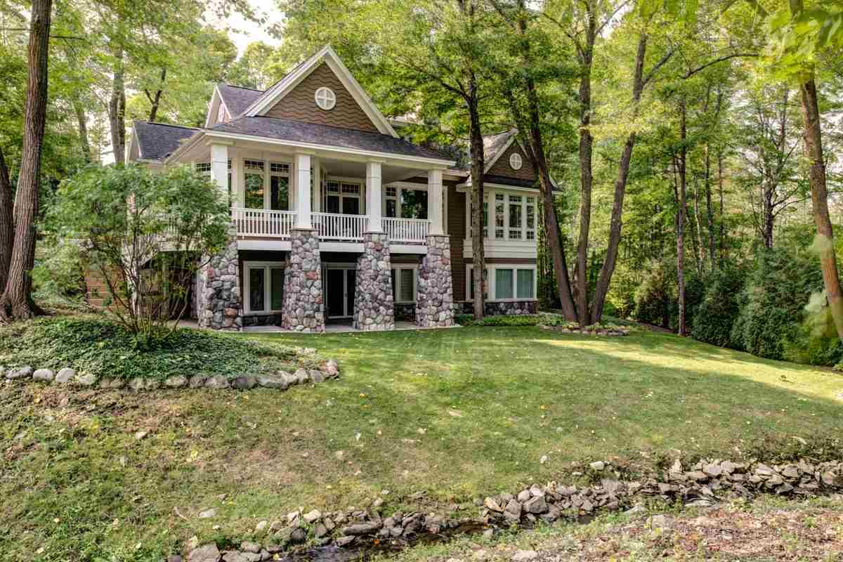 4500 Vista, Bay Harbor, Michigan 49770, 5 Bedrooms Bedrooms, ,4 BathroomsBathrooms,Single Family,For Sale,4500 Vista,463354