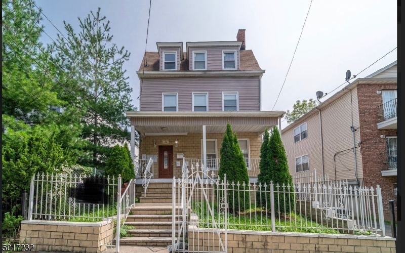 84 FARLEY AVE, Newark City, New Jersey 07108-1539, 5 Bedrooms Bedrooms, ,4 BathroomsBathrooms,Multifamily,For Sale,84 FARLEY AVE,3664774