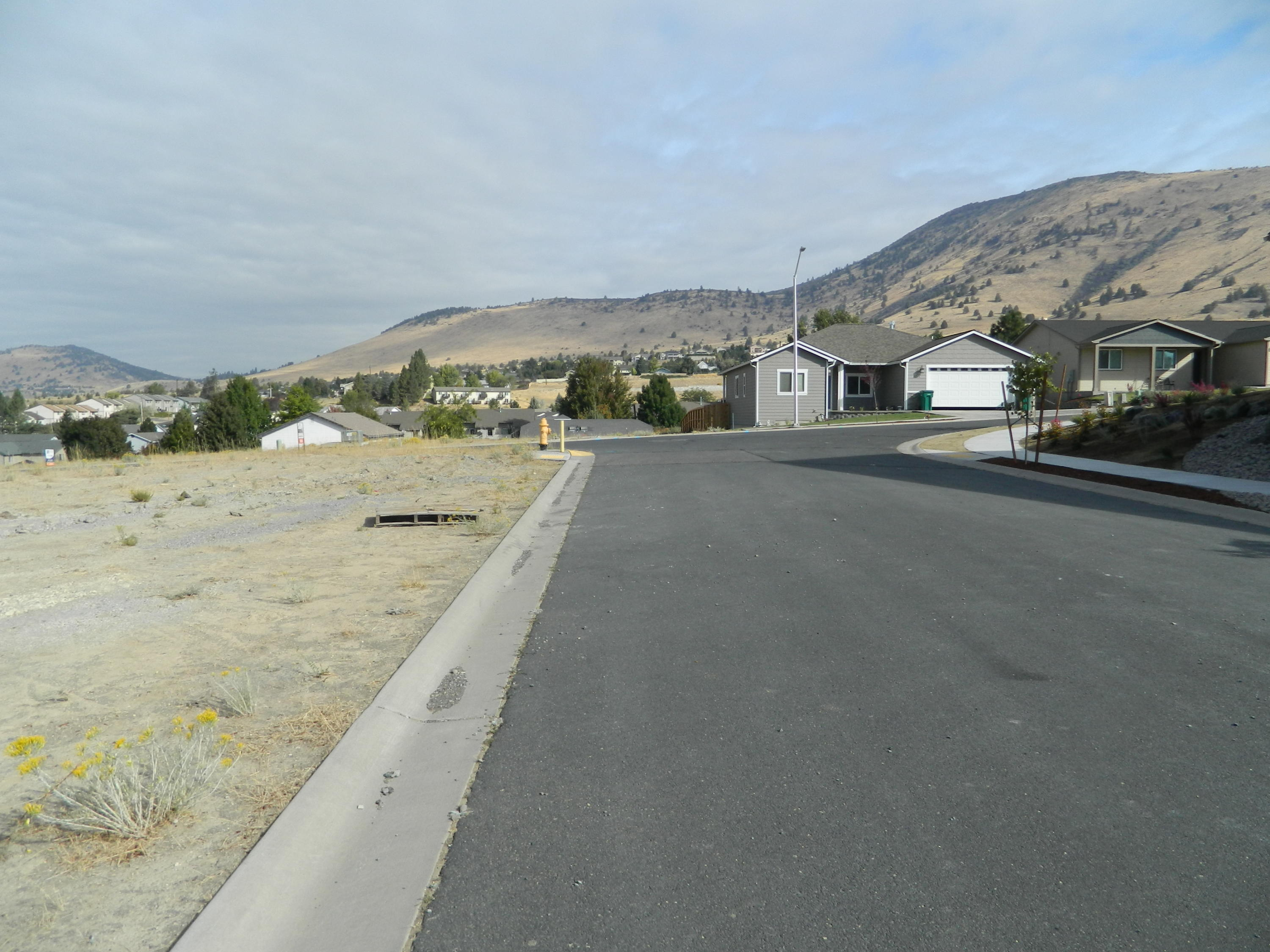 5498 Shalynn Drive, Klamath Falls, Oregon 97603, ,Lots And Land,For Sale,5498 Shalynn Drive,220109708