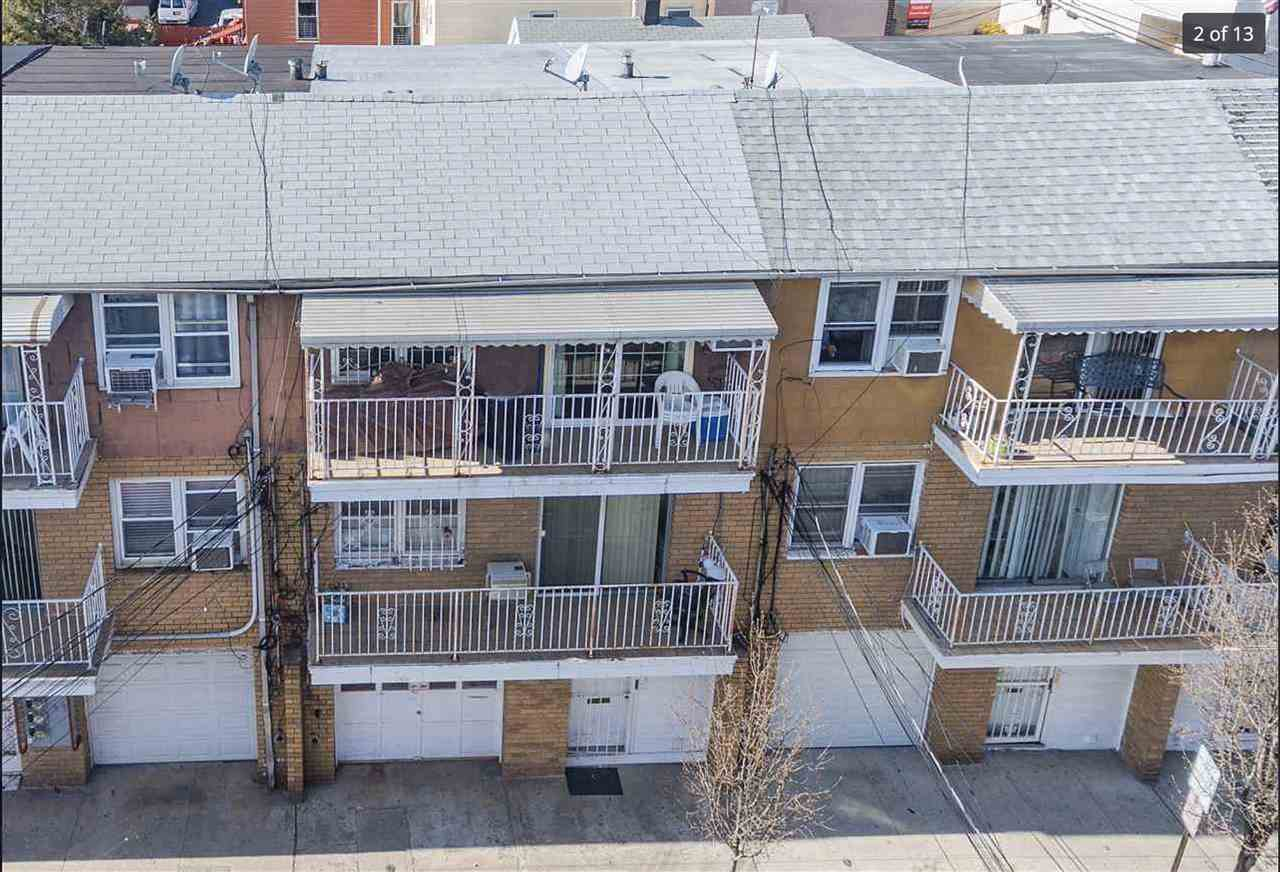 4013 HUDSON AVE, Union City, New Jersey 07087, 5 Bedrooms Bedrooms, ,3 BathroomsBathrooms,Multifamily,For Sale,4013 HUDSON AVE,202022356