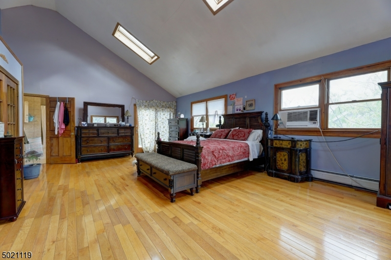 146 SUMMIT AVE, Hackensack City, New Jersey 07601-1310, 5 Bedrooms Bedrooms, ,6 BathroomsBathrooms,Single Family,For Sale,146 SUMMIT AVE,3669185