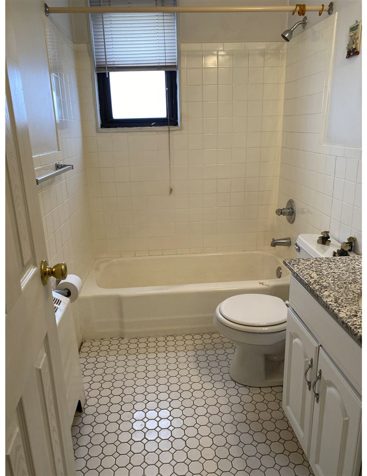 1225 KENNEDY BLVD, Bayonne, New Jersey 07002, ,1 BathroomBathrooms,Condominium,For Sale,1225 KENNEDY BLVD,202024073