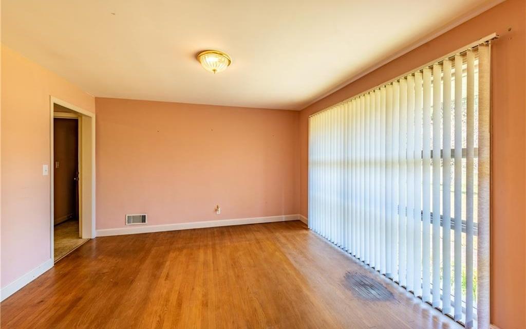 3261 CHATSWORTH HWY, Ellijay, Georgia 30540, 3 Bedrooms Bedrooms, ,2 BathroomsBathrooms,Single Family,For Sale,3261 CHATSWORTH HWY,301644