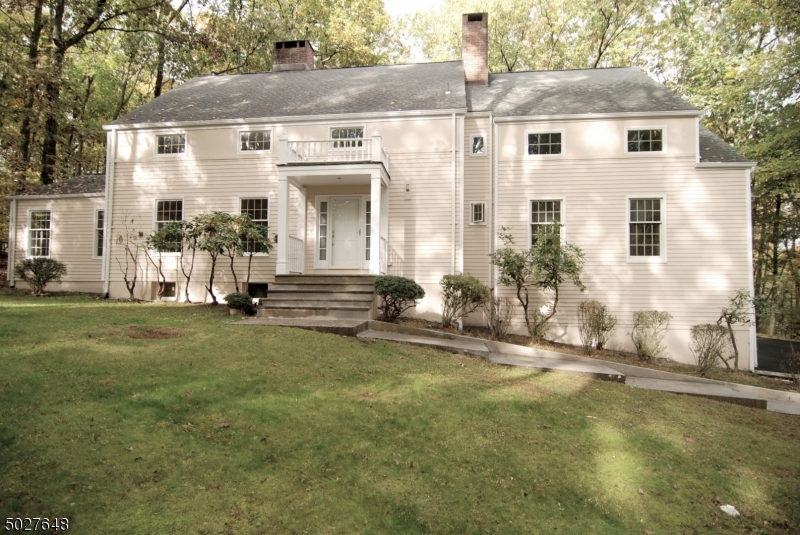 29 MOUNT PLEASANT RD, Mendham Twp., New Jersey 07960-3351, 4 Bedrooms Bedrooms, ,5 BathroomsBathrooms,Single Family,For Sale,29 MOUNT PLEASANT RD,3674822