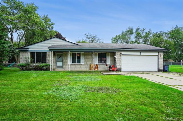 6665 ALMOND Lane, Clarkston, Michigan 48346, 3 Bedrooms Bedrooms, ,3 BathroomsBathrooms,Single Family,For Sale,6665 ALMOND Lane,1,2200076159