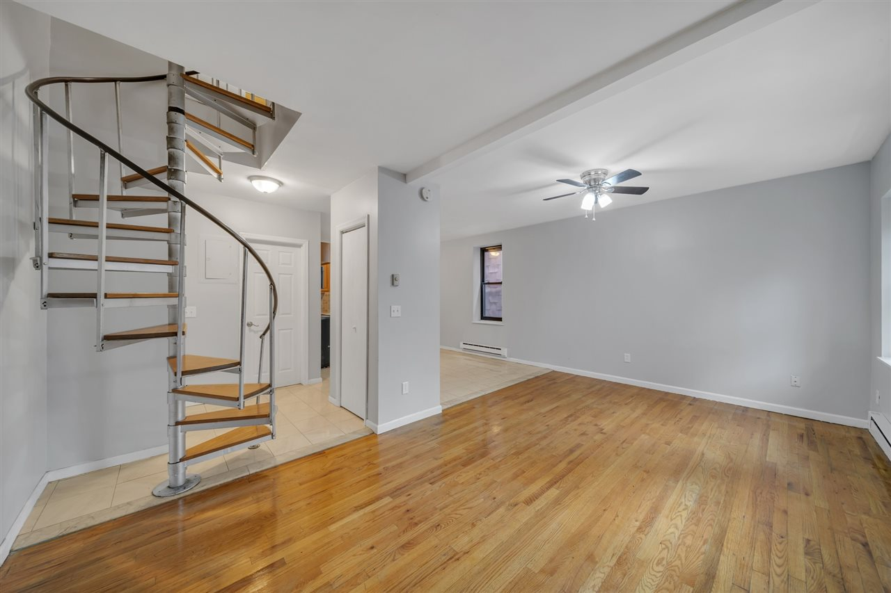207-209 PROSPECT AVE, Bayonne, New Jersey 07002, 2 Bedrooms Bedrooms, ,2 BathroomsBathrooms,Condominium,For Sale,207-209 PROSPECT AVE,202025021