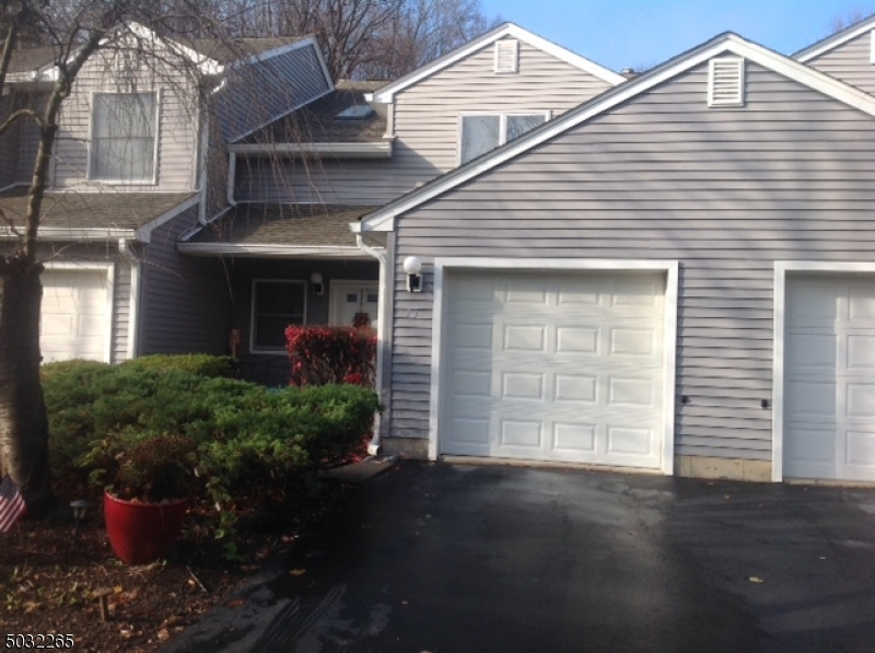 73 MEADOW POND RD, Hardyston Twp., New Jersey 07419-2505, 2 Bedrooms Bedrooms, ,2 BathroomsBathrooms,Townhouse,For Sale,73 MEADOW POND RD,3678487