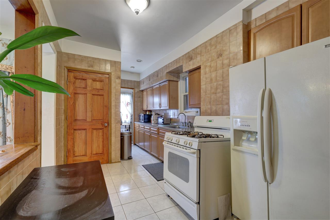 310 76TH ST, North Bergen, New Jersey 07047, 3 Bedrooms Bedrooms, ,2 BathroomsBathrooms,Multifamily,For Sale,310 76TH ST,202026373