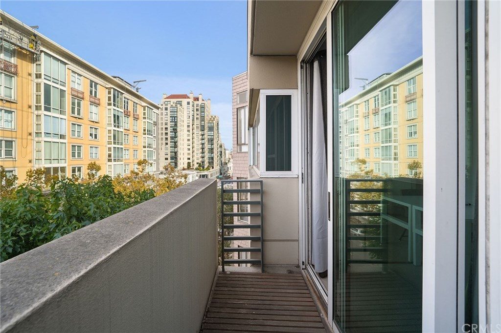1377 Post Street, San Francisco, California 94109, 3 Bedrooms Bedrooms, ,3 BathroomsBathrooms,Condominium,For Sale,1377 Post Street,2,OC20239756