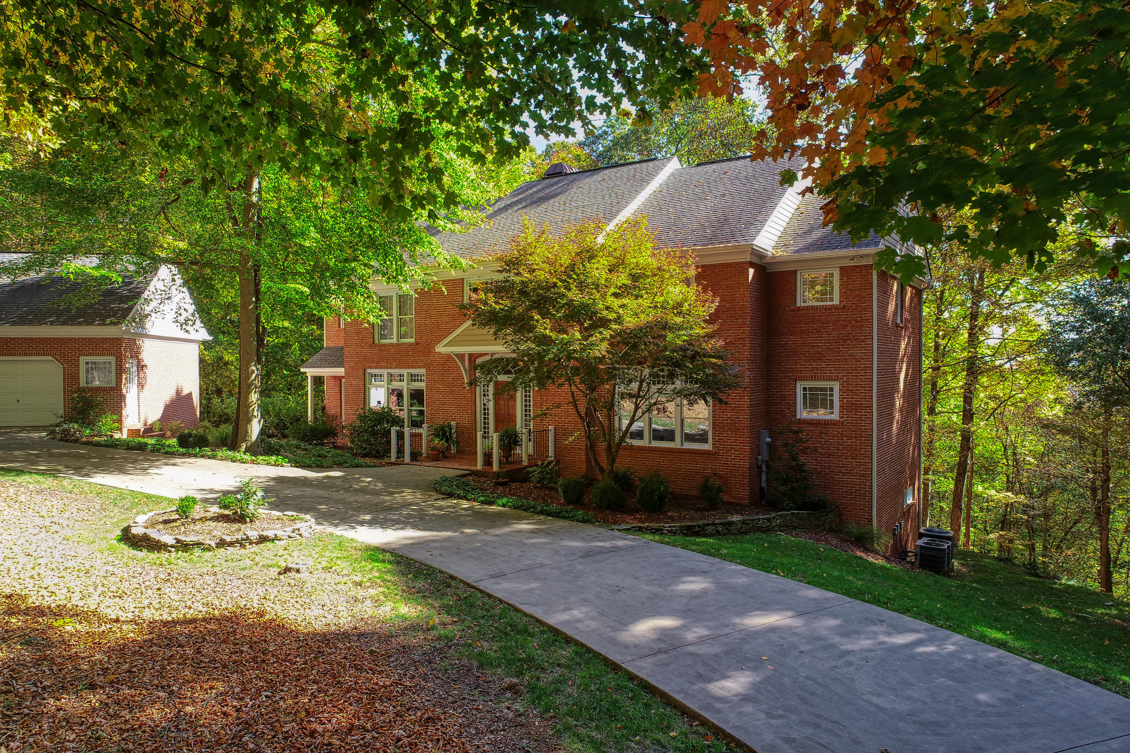 5300 Foxfire Place, Kingsport, Tennessee 37664, 4 Bedrooms Bedrooms, ,5 BathroomsBathrooms,Single Family,For Sale,5300 Foxfire Place,2,9915867