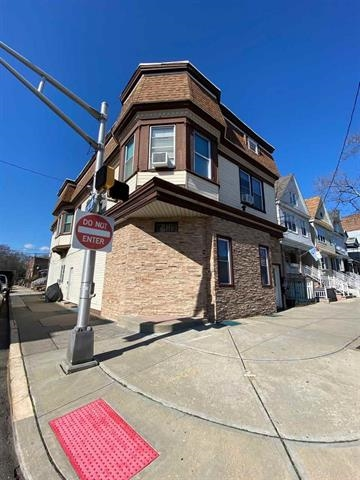 411 KENNEDY BLVD, Bayonne, New Jersey 07002, 8 Bedrooms Bedrooms, ,4 BathroomsBathrooms,Multifamily,For Sale,411 KENNEDY BLVD,202027578