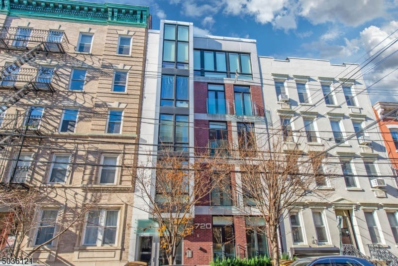 720 Willow Ave, Hoboken City, New Jersey 07030-4002, 2 Bedrooms Bedrooms, ,2 BathroomsBathrooms,Residential,For Sale,720 Willow Ave,3682267