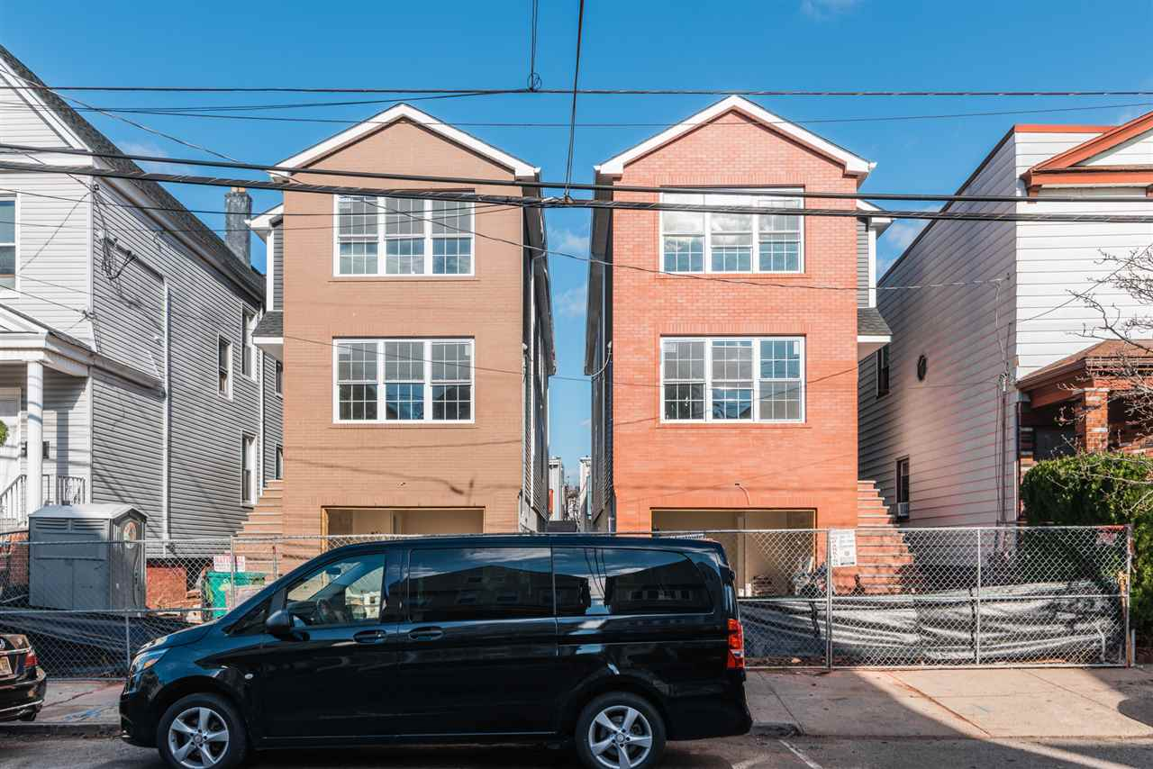 123 WEST 12TH ST, Bayonne, New Jersey 07002, 6 Bedrooms Bedrooms, ,5 BathroomsBathrooms,Multifamily,For Sale,123 WEST 12TH ST,202028569