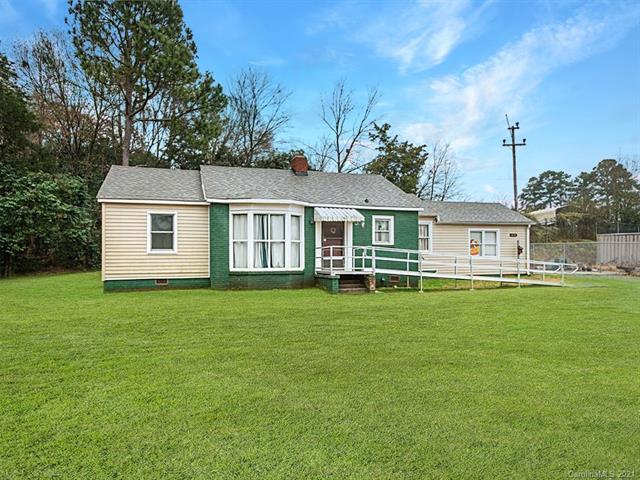 6016 Wilkinson Boulevard, Belmont, North Carolina 28012-2896, 2 Bedrooms Bedrooms, ,1 BathroomBathrooms,Single Family,For Sale,6016 Wilkinson Boulevard,1,3693590