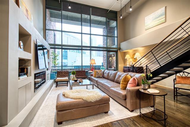 1999 Mckinney Avenue, Dallas, Texas 75201, 2 Bedrooms Bedrooms, ,2 BathroomsBathrooms,Condominium,For Sale,1999 Mckinney Avenue,2,14494458