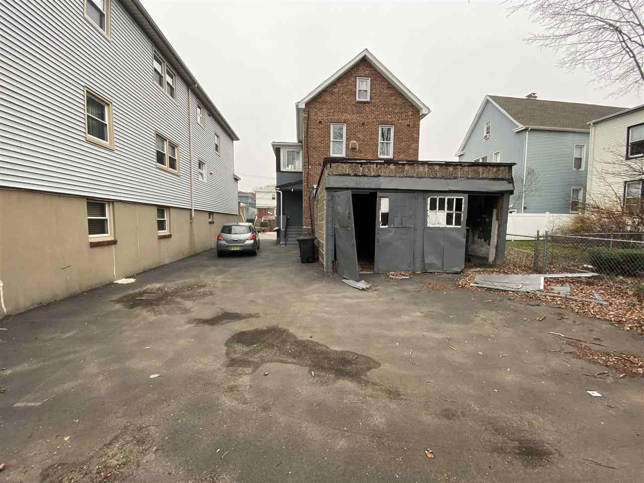12 JULIETTE ST, Bayonne, New Jersey 07002, 5 Bedrooms Bedrooms, ,2 BathroomsBathrooms,Multifamily,For Sale,12 JULIETTE ST,210000343