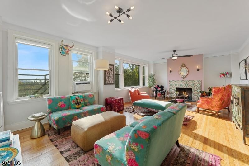 363 MT PROSPECT AVE, Newark City, New Jersey 07104-2103, 5 Bedrooms Bedrooms, ,4 BathroomsBathrooms,Condominium,For Sale,363 MT PROSPECT AVE,3686359