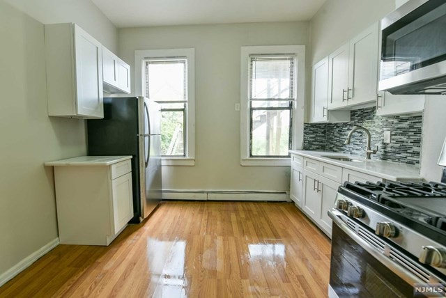 512 21st Street, Union City, New Jersey 07087, 5 Bedrooms Bedrooms, ,3 BathroomsBathrooms,Townhouse,For Sale,512 21st Street,21001083