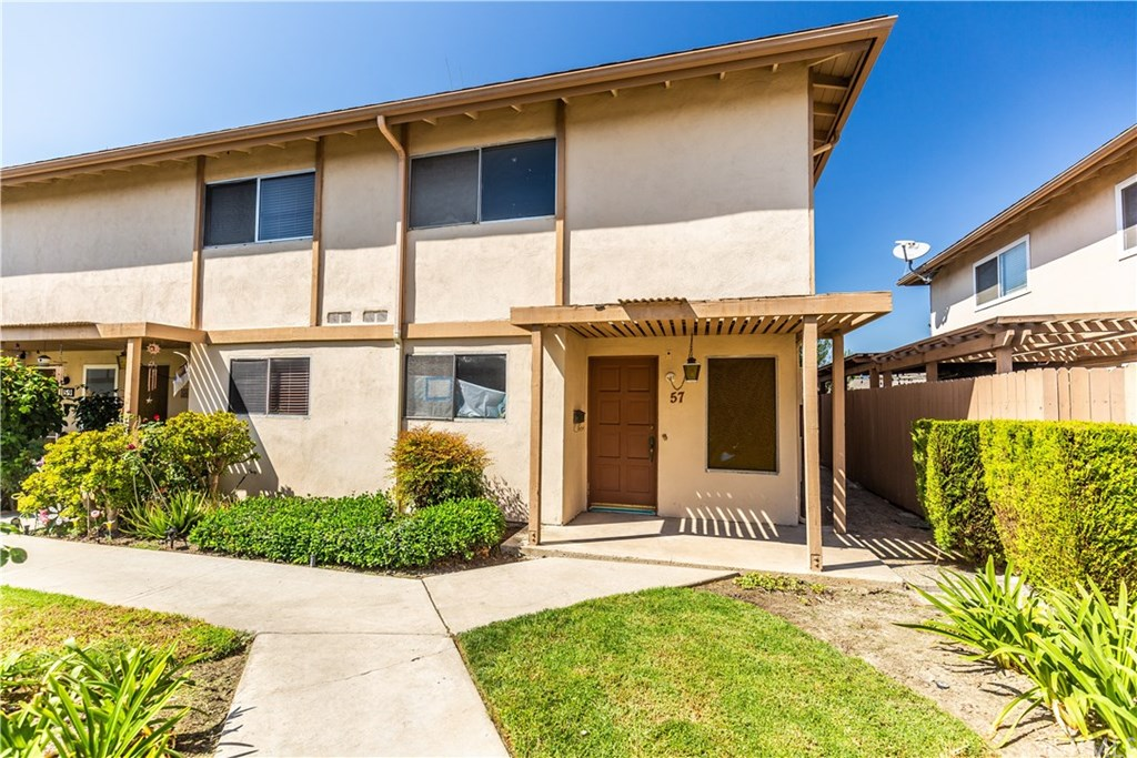 1881 Mitchell Avenue, Tustin, California 92780, 2 Bedrooms Bedrooms, ,2 BathroomsBathrooms,Condominium,For Sale,1881 Mitchell Avenue,PW21001541