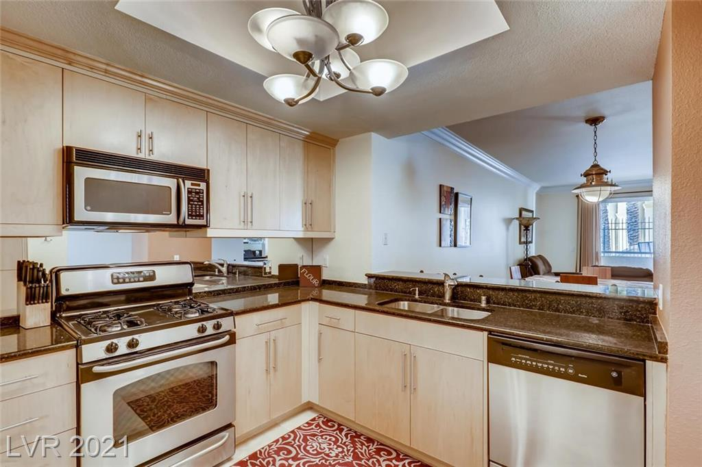 210 Flamingo Road, Las Vegas, Nevada 89169, 2 Bedrooms Bedrooms, ,2 BathroomsBathrooms,Condominium,For Sale,210 Flamingo Road,2261845