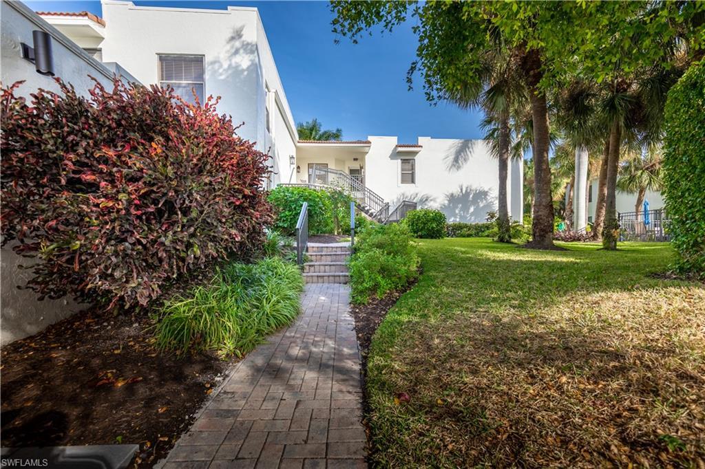 806 10th AVE S, Naples, Florida 34102, 3 Bedrooms Bedrooms, ,2 BathroomsBathrooms,Condominium,For Sale,806 10th AVE S,221004401