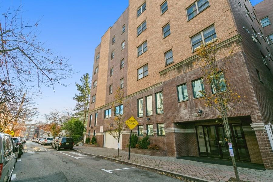 135 38TH ST, Union City, New Jersey 07087, 2 Bedrooms Bedrooms, ,2 BathroomsBathrooms,Condominium,For Sale,135 38TH ST,210001586