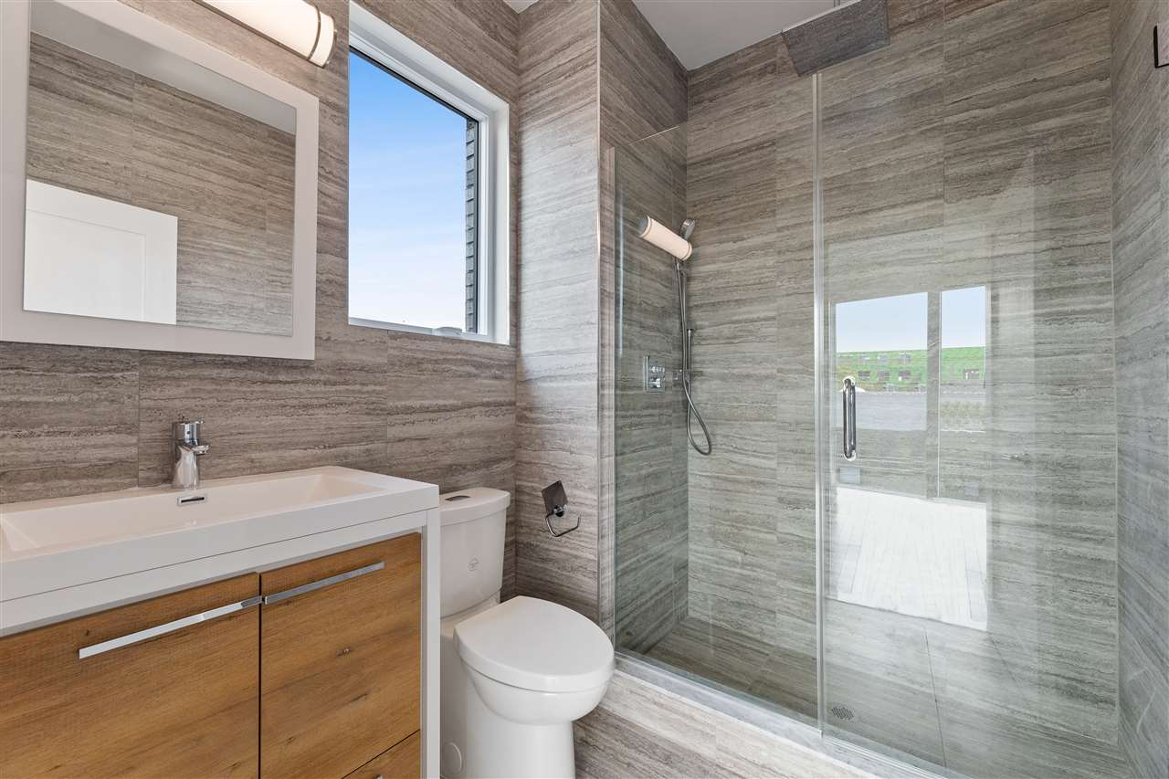 1601 MANHATTAN AVE, Union City, New Jersey 07087, 2 Bedrooms Bedrooms, ,2 BathroomsBathrooms,Condominium,For Sale,1601 MANHATTAN AVE,210001983