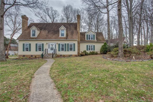821 Dare Court, Gastonia, North Carolina 28054-6468, 4 Bedrooms Bedrooms, ,4 BathroomsBathrooms,Single Family,For Sale,821 Dare Court,2,3701373