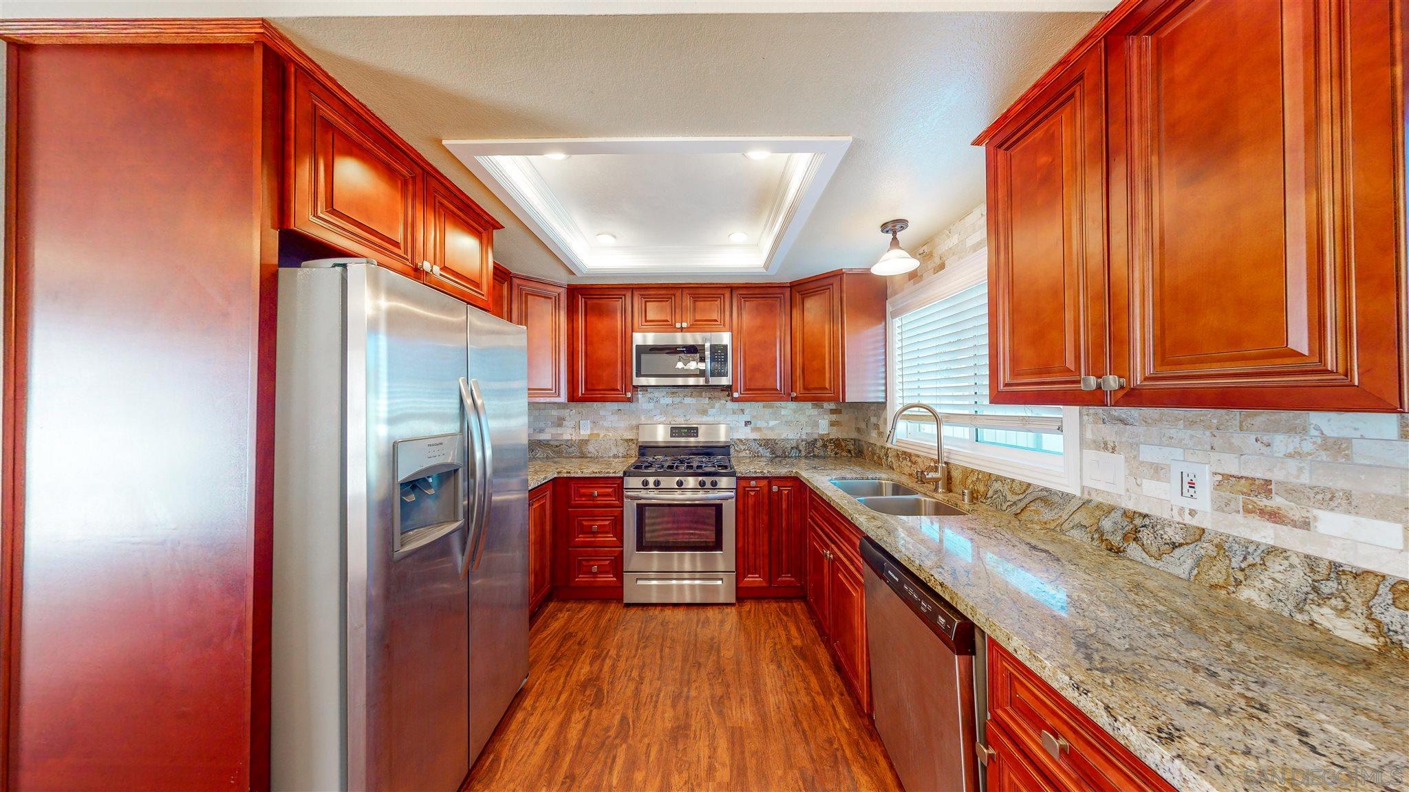 655 E Washington, El Cajon, California 92020, 2 Bedrooms Bedrooms, ,2 BathroomsBathrooms,Townhouse,For Sale,655 E Washington,1,210002309