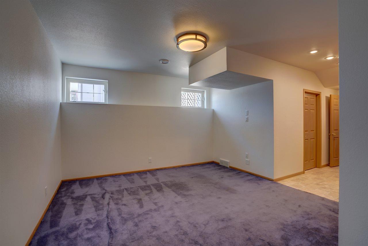 886 Stonehaven Dr, Sun Prairie, Wisconsin 53590, 3 Bedrooms Bedrooms, ,4 BathroomsBathrooms,Residential,For Sale,886 Stonehaven Dr,1900974