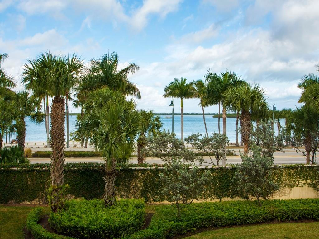 35 Harbour Isle Drive, Fort Pierce, Florida 34949, 2 Bedrooms Bedrooms, ,2 BathroomsBathrooms,Townhouse,For Sale,35 Harbour Isle Drive,4,240513