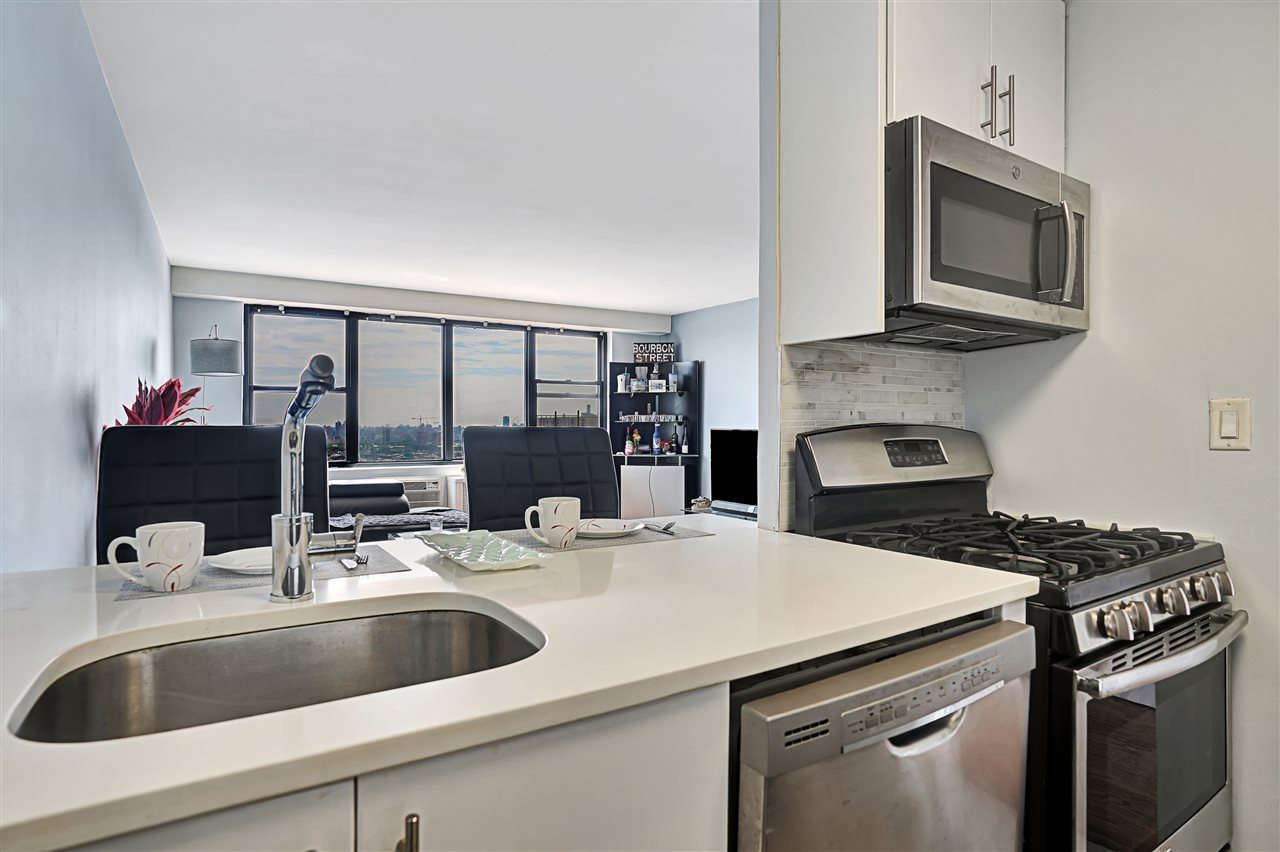 500 CENTRAL AVE, Union City, New Jersey 07087, 1 Bedroom Bedrooms, ,1 BathroomBathrooms,Condominium,For Sale,500 CENTRAL AVE,210003007