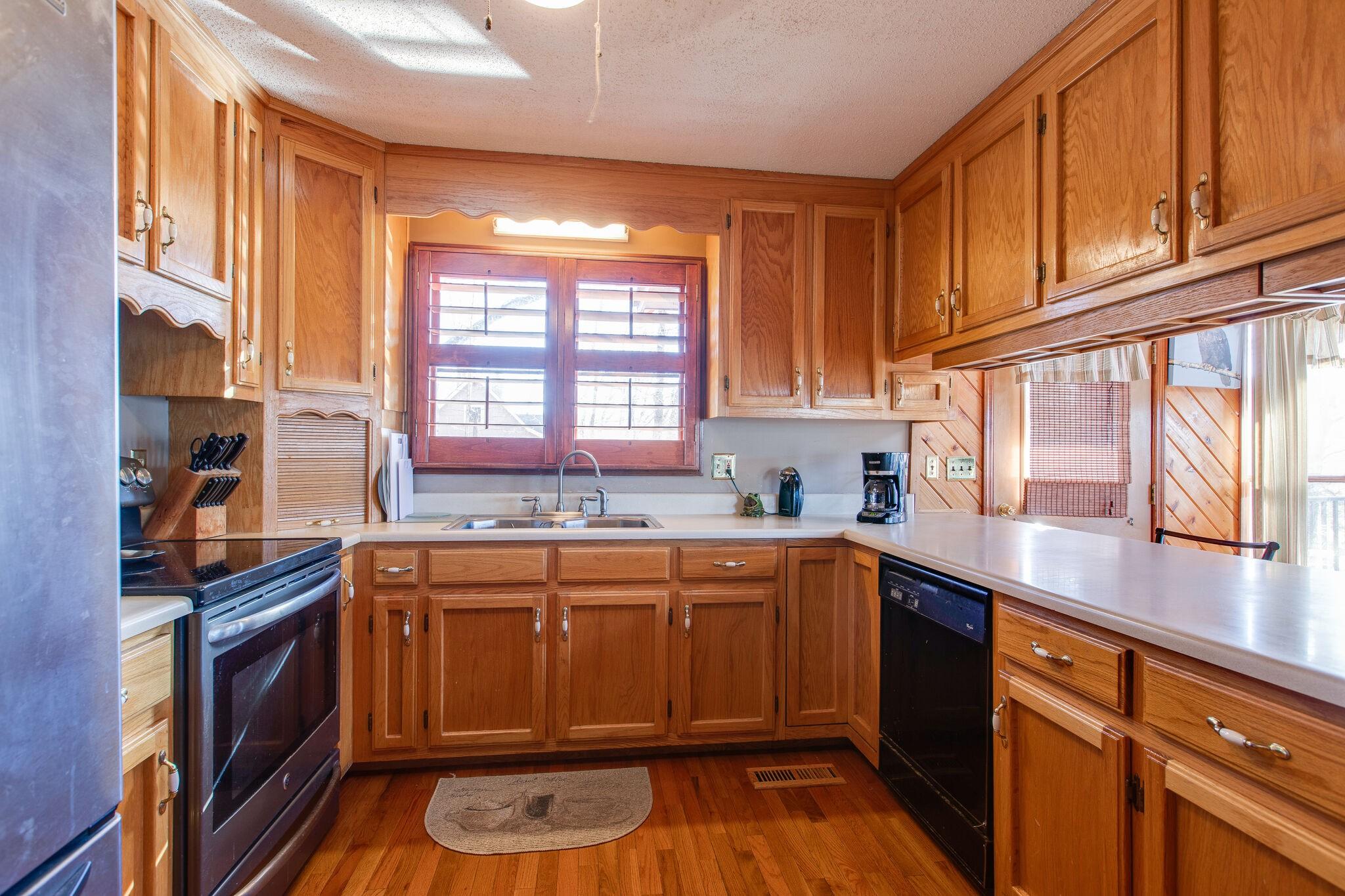 500 Clear Creek Cir, Pulaski, Tennessee 38478, 4 Bedrooms Bedrooms, ,3 BathroomsBathrooms,Single Family,For Sale,500 Clear Creek Cir,3,2226893